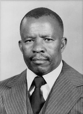 vintage-photo-of-portrait-of-quett-masire-9113de592a8916083a04e34499059cb9