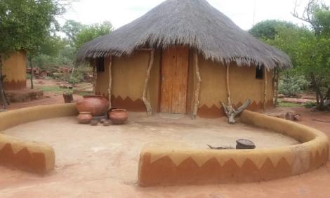 yb-bahurutshe-cultural-village