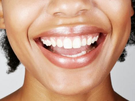 yb-clean-teeth