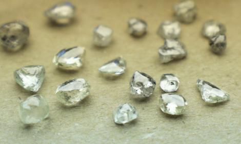 yb-tsodilo-101-diamonds