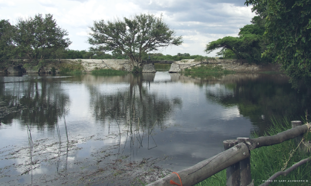 old-bridge-maun