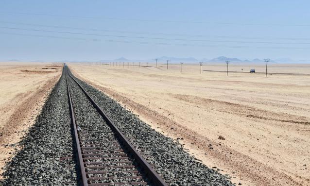 yb-railway-desert