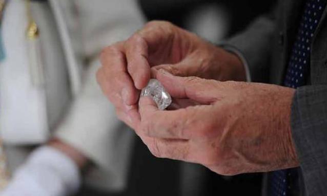yb-tsodilo-diamond
