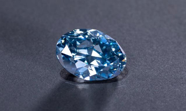 yb-bw-blue-diamond